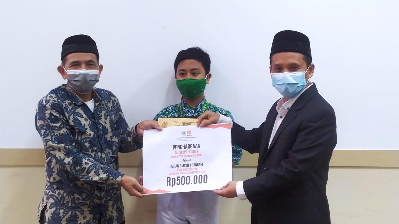 Apresiasi Prestasi Siswa MTsN 1 Tangsel, Mustopa Berikan Penghargaan (1)