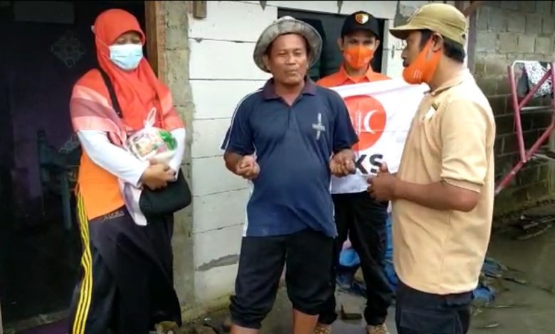 Korban Banjir Teluknaga Doakan Kader PKS Jadi