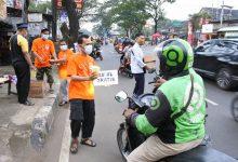 Asyiknya Takjil on The Road DPRa PKS Pabuaran Karawaci