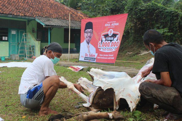 PKS Banten Bagikan 80.225 Paket Daging Kurban