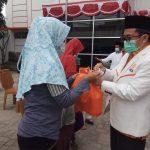 Peringati HUT RI Ke-76, DPW PKS Banten Bagikan 100.000 Paket Sembako (1)